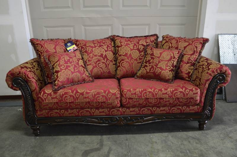 Serta Belmond Sofa Brand New Furniture W Tags Online Auction Local Delivery Available Strait