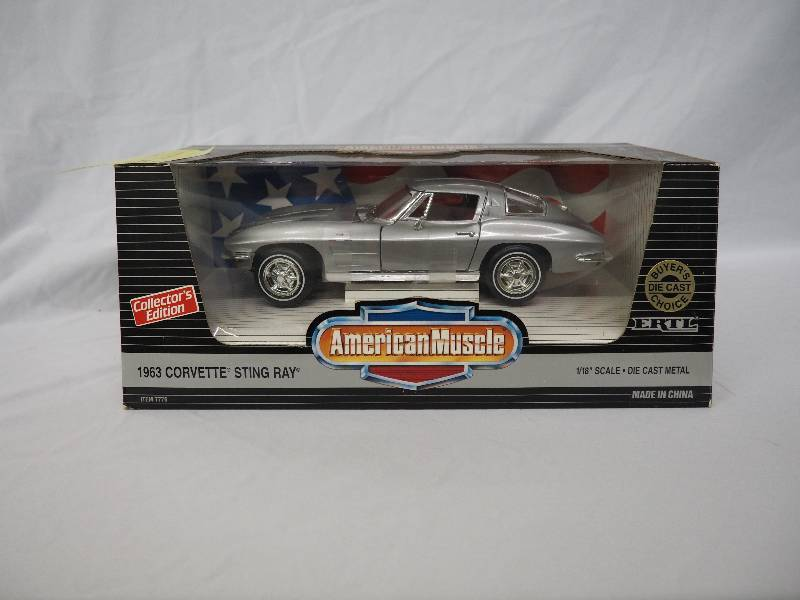AMERICAN MUSCLE 1963 CORVETTE STINGRAY | DIE CAST AND WINTER WEAR ...